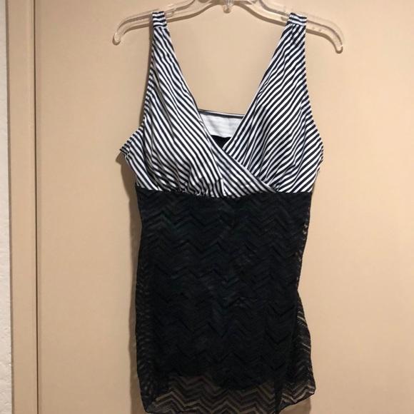 90c184548b06f Black and White one piece bathing suit-XL. M 5b4839a43e0caaf3acbb64f5